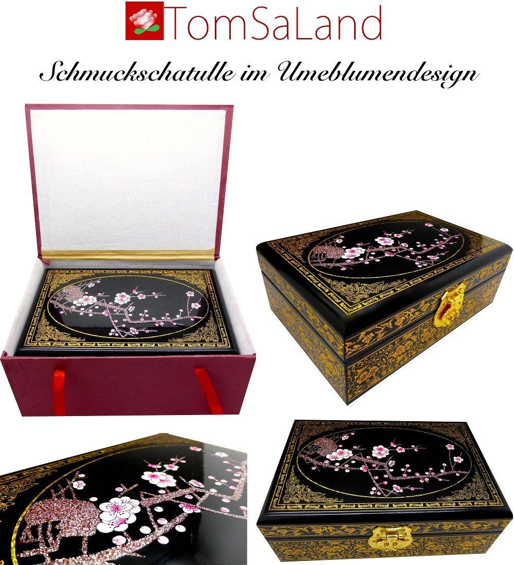 Schatzbox-Ume_schwarz_Gruppefoto