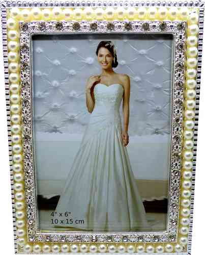 TomSaLand Portrait Frame with Pearl
